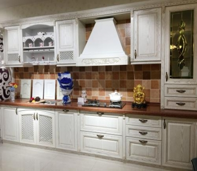 青岛别墅装修 厨房吊柜施工的注意事项